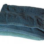 Ręcznik czy szlafrok? Jakie rozwiązanie jest korzystniejsze i dlaczego?