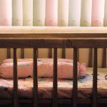 Wybór kocyka do łóżeczka dziecięcego